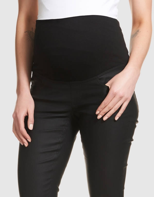 Soon Maternity - Coated Overbelly Jeans