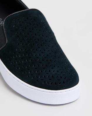 Vionic Kani Slip On Sneakers - Slip-On Sneakers (Black)