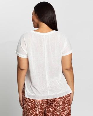Atmos&Here Curvy - Ariel Twist Neck T Shirt - T-Shirts & Singlets (White) Ariel Twist Neck T-Shirt