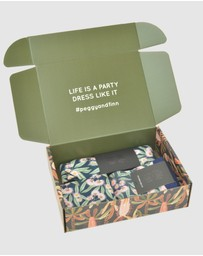Peggy and Finn - Flowering Gum Tie Gift Box