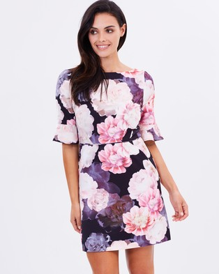 Oasis – Spring Bloom Flute Sleeve Shift Dress – Dresses (Multi & Black)