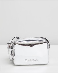 Calvin Klein - CK Must Camera Bag
