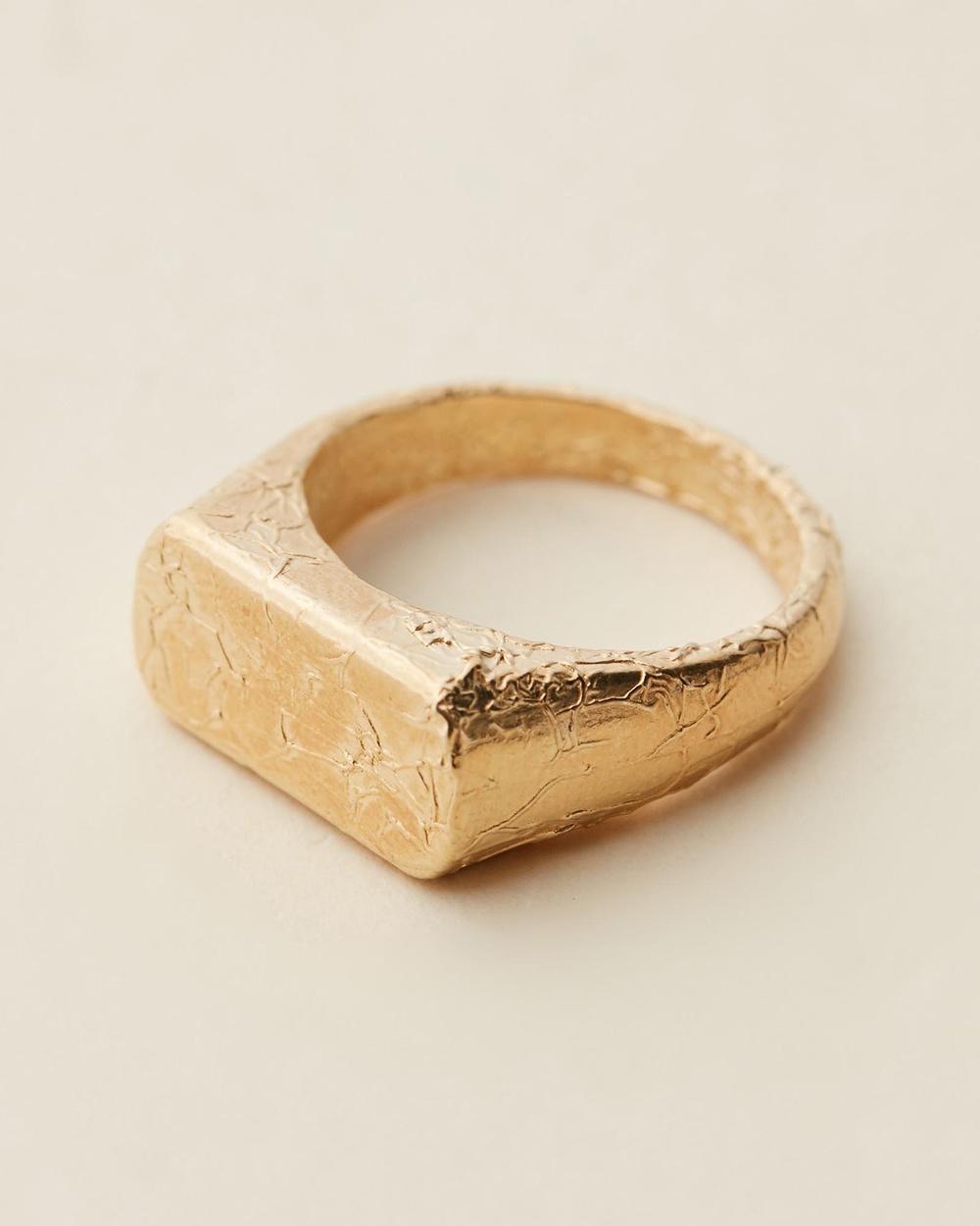 Amber Sceats Fleur Ring Jewellery Gold
