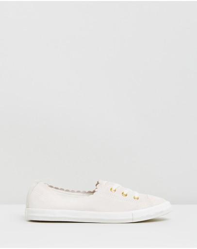 c1a14c796ef Women s Converse Shoes