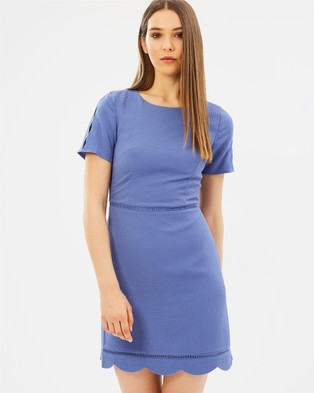 Oasis – Scallop Sleeve Dress