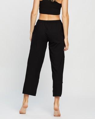 Le Buns Juniper Long Relaxed Pants - Joggers (Black)