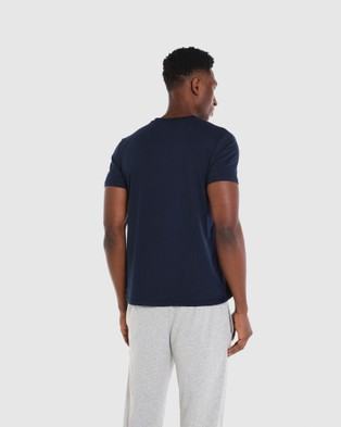 Coast Clothing V Neck Essential Tee - T-Shirts & Singlets (Navy)