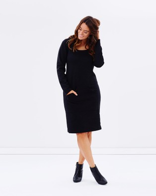 Hope & Harvest – Super Chic Hooded Dress Black