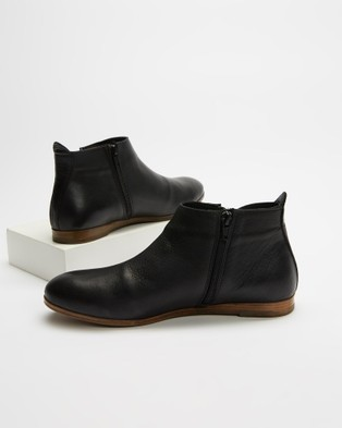 Bueno - Halo Boots (Black)