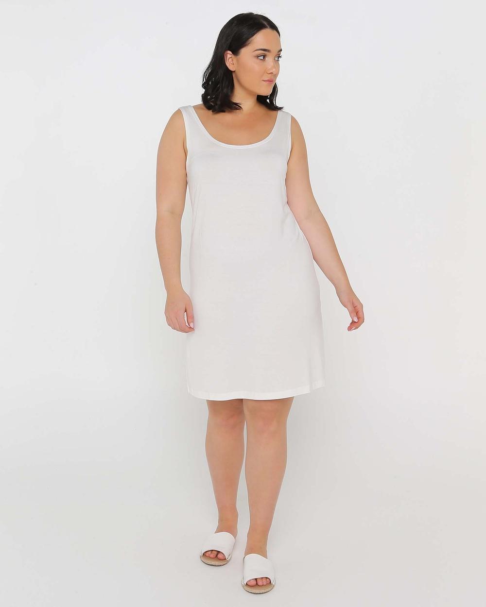 Advocado Plus Classic Slip Dresses Off White