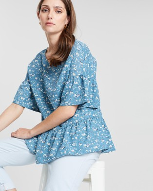 Lincoln St The Frill Hem Top - Tops (English Flower)