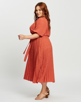 Atmos&Here Curvy Jodie Midi Dress - Printed Dresses (Red Print)