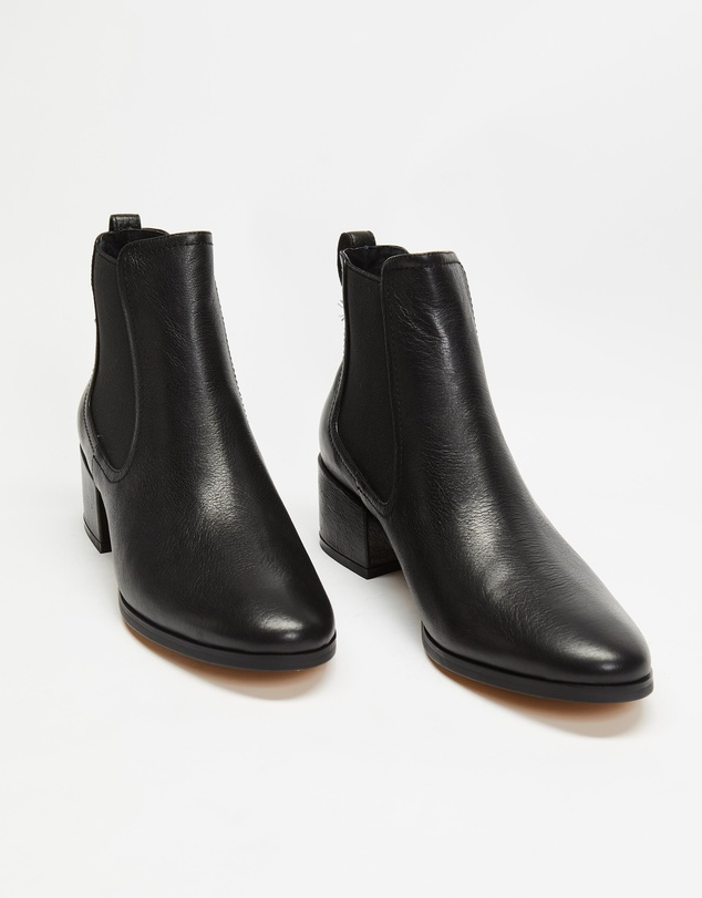 Women Sissta Leather Ankle Boots