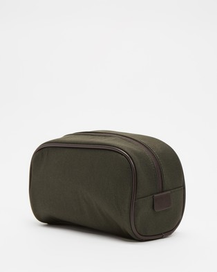 Barbour - Wax Washbag Toiletry Bags (Olive & Brown)