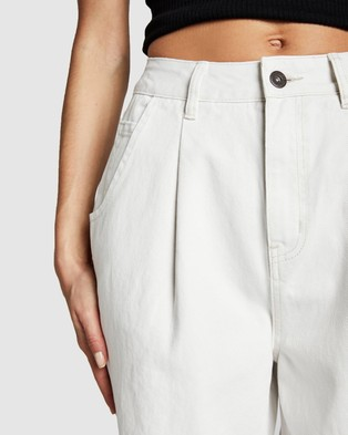 Cotton On Slouch Mom Jeans - Mom Jeans (Whitehaven Pleat)