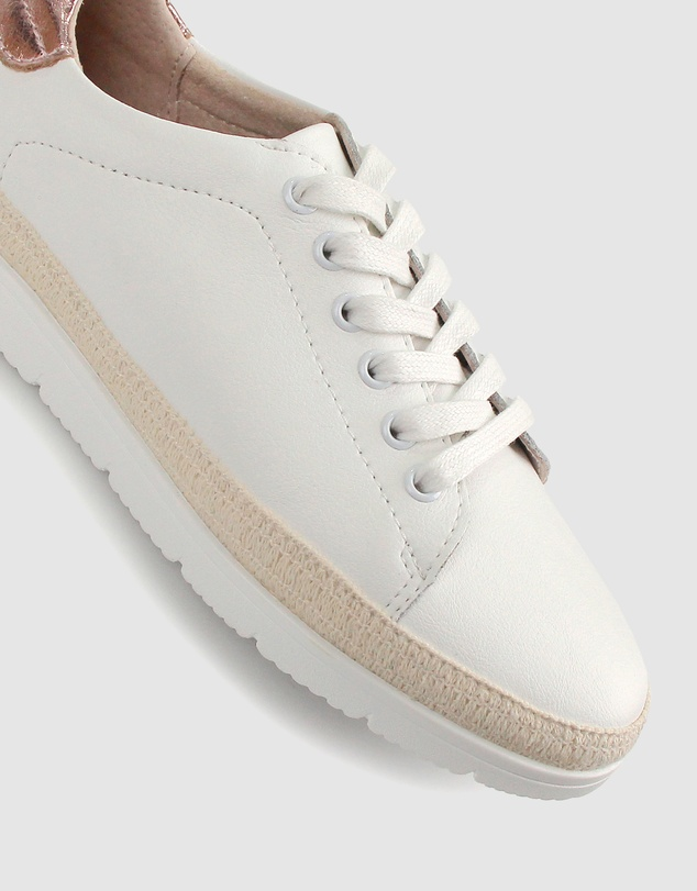 Women Martina Leather Lifestyle Sneakers