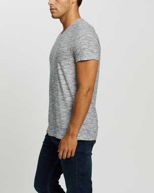 Hollister SS V Neck Tee - T-Shirts & Singlets (White Printed Texture)