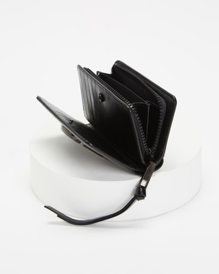 The Marc Jacobs Snapshot Compact Wallet - Wallets (Black)