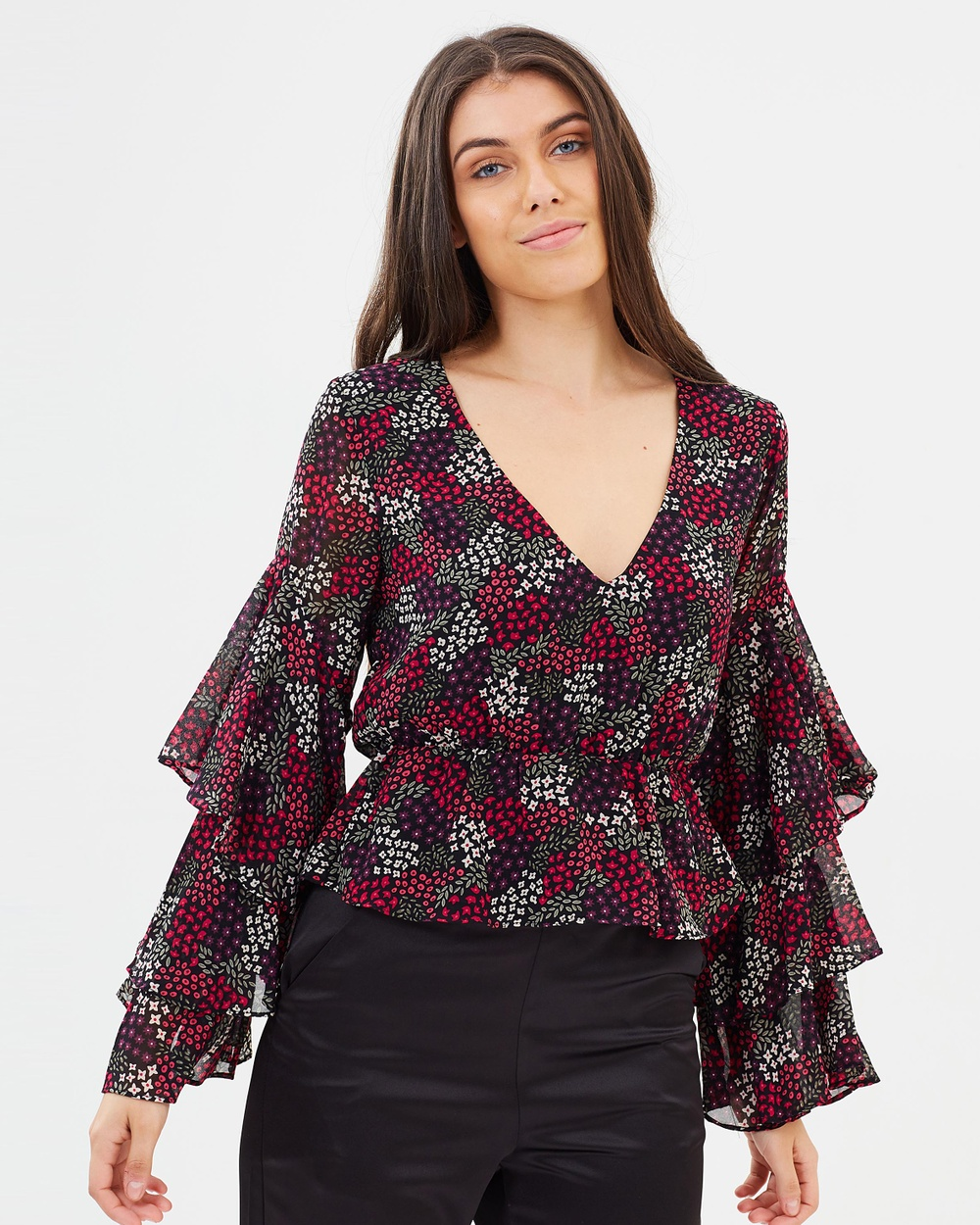 Atmos & Here ICONIC EXCLUSIVE Larissa Deep V Top Cropped tops Floral ICONIC EXCLUSIVE Larissa Deep V Top
