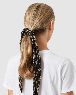 French Connection Ditsy Floral Pleated  Scarf - Scarves & Gloves (BLACK/YELLOW)