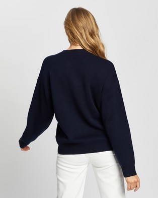 Lacoste Graphic Croc Interlock Knit - Jumpers & Cardigans (Navy Blue & Flour)
