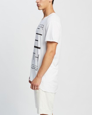 Surrounded By Ghosts The Feldspar Graphic Tail T Shirt - T-Shirts & Singlets (White Murder)