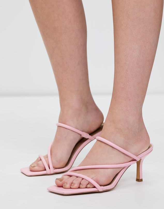 Women Tara Heels