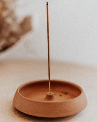 Lux Aestiva Handmade Raised Terra Cotta Incense Holder - Home Fragrance (Terracotta)