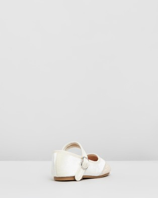 Anchor & Fox Manhattan Mary Janes   Kids - Flats (Cream)