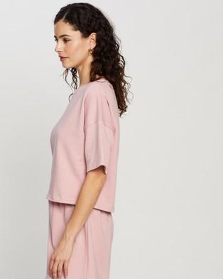 Atmos&Here - Laura Short Sleeve Sweat Top - Sweats (Pink) Laura Short Sleeve Sweat Top