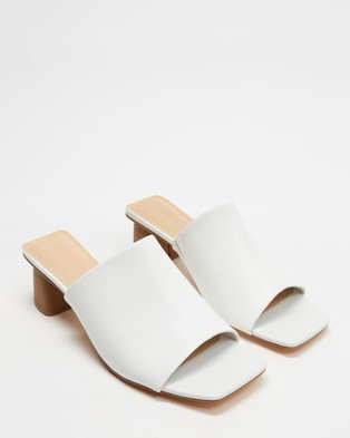 Atmos&Here - Leon Leather Heels (White Leather)