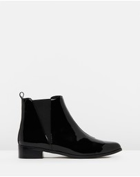 Atmos&Here - ICONIC EXCLUSIVE - Victoria Leather Ankle Boots
