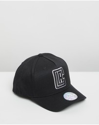 Mitchell & Ness - The Black & White 110 Snapback