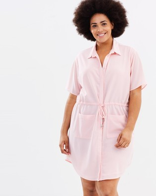 Atmos & Here Curvy – Karma Shirt Dress – Dresses (Pink)