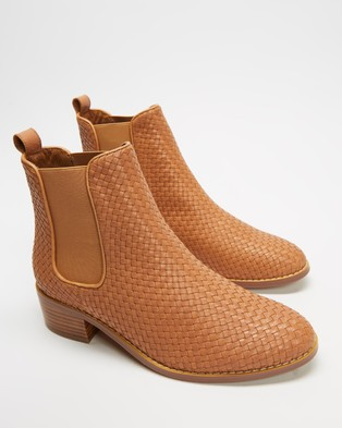 Walnut Melbourne Grace Weave Leather Boots Tan