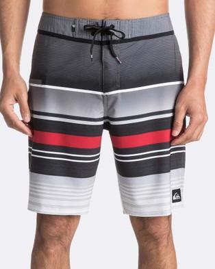 Quiksilver – Mens Everyday Stripe 20″ Boardshort – Swimwear (Black)