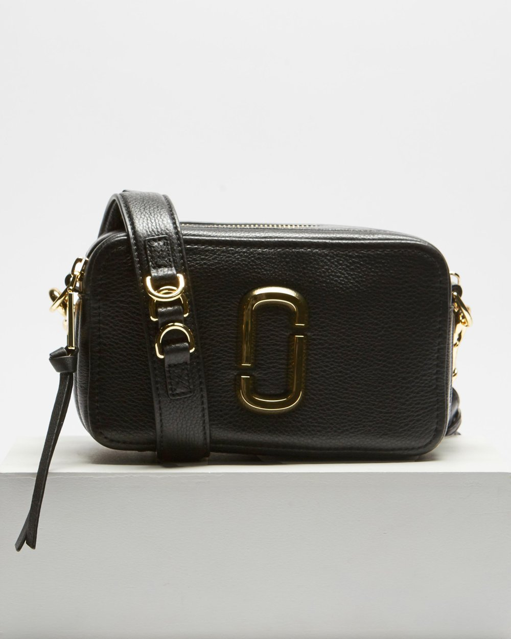 f64ac000a The Softshot 21 by Marc Jacobs Online | THE ICONIC | Australia