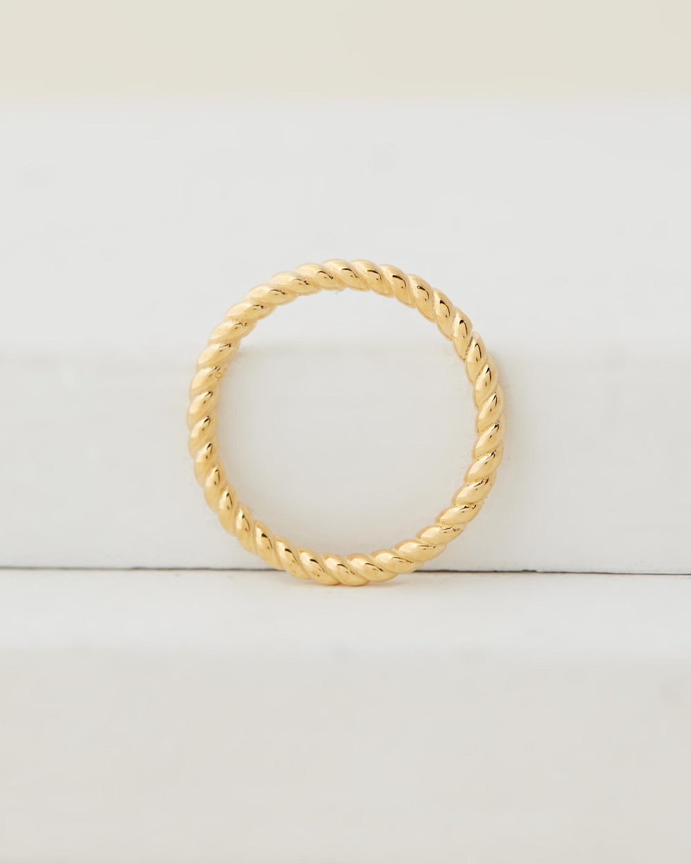 Avant Studio Trinity Rope Ring Jewellery Gold