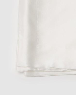 Sleepy Dee 22 Momme Mulberry Silk Reverie Oxford Pillowcase Wellness White