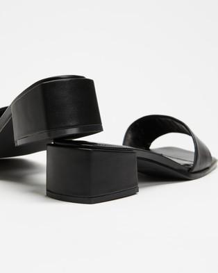 Therapy Stormi - Mid-low heels (Black)