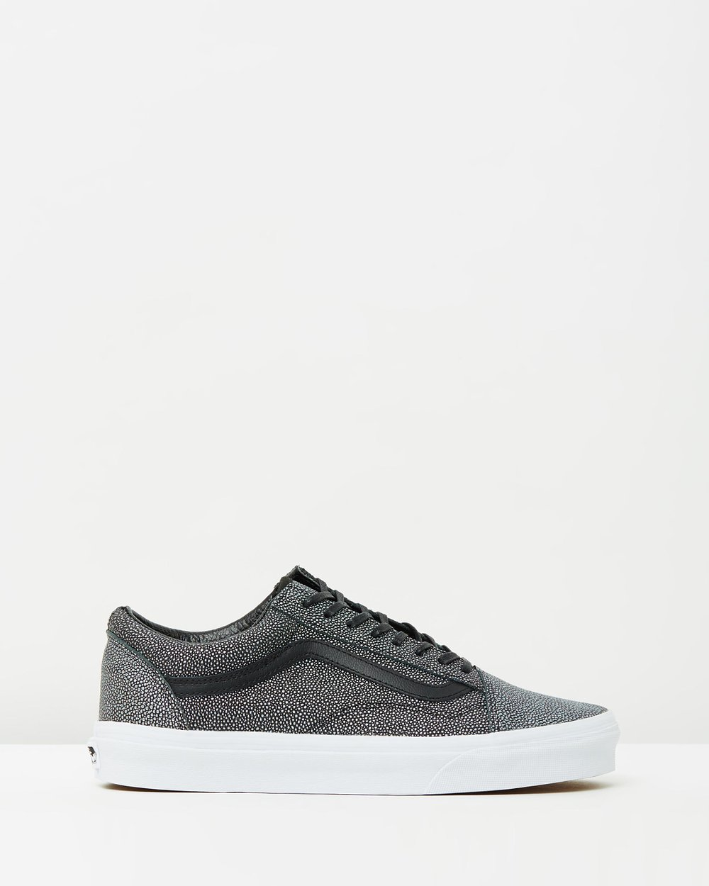 71a465f4bffe11 Old Skool by Vans Online