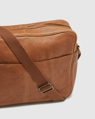 Oxford Joyce Leather Messenger Bag - Bags (Brown)