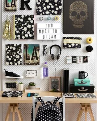 Typo Light Box - Home (Black)