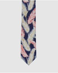 Peggy and Finn - Pampas Grass Tie