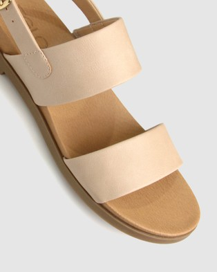 Betts Shari Low Wedge Sandals - Sandals (Latte)