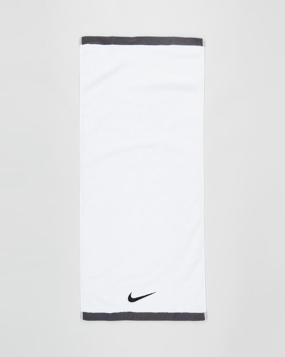 Nike Fundamental Towel Gym Towels White & Black