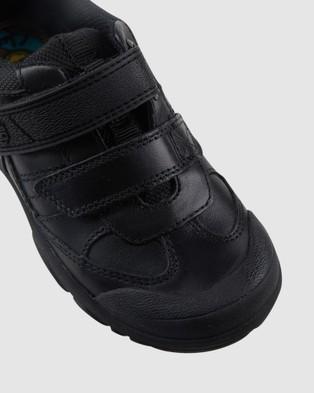 Clarks Krew School Shoes - Flats (Black)
