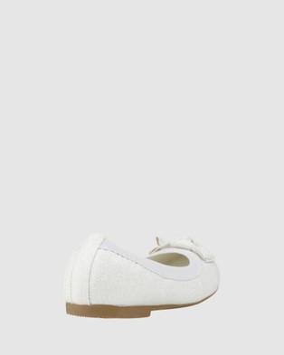 Kicks Keely Shimmer Ballet Flats - Flats (White)