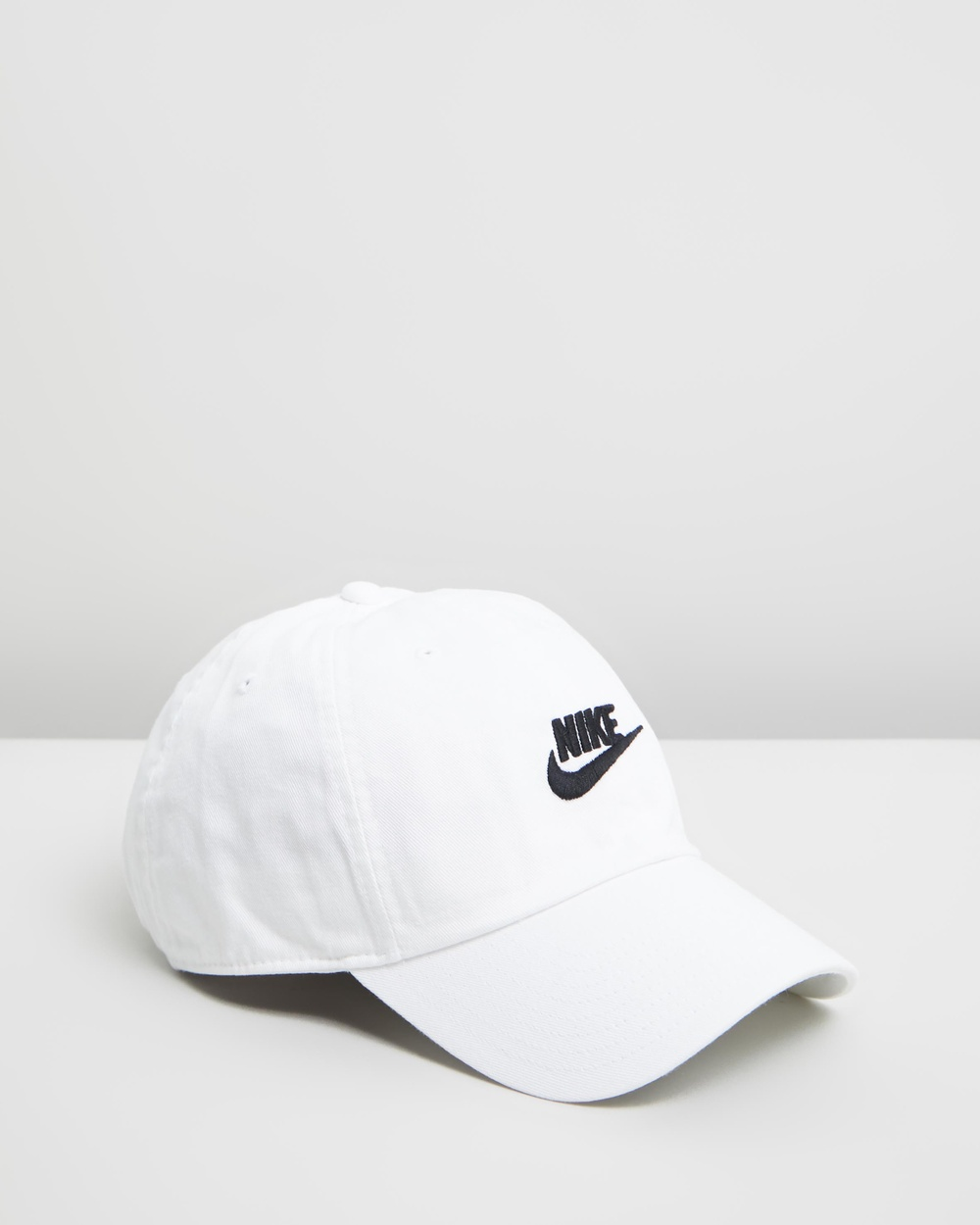 Nike Sportswear Heritage 86 Futura Cap Headwear White & Black