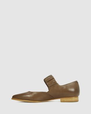 Eos Emali - Ballet Flats (Brown)